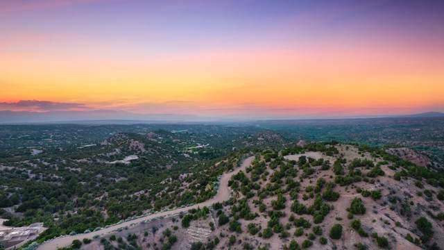 44 Tesuque Ridge, Santa Fe, NM 87501 (MLS #202103656) :: Neil Lyon Group | Sotheby's International Realty