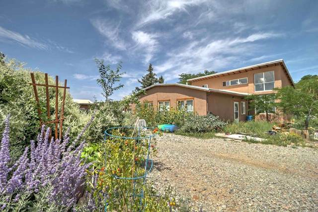 2210 & 2214 West Alameda, Santa Fe, NM 87507 (MLS #202103659) :: Berkshire Hathaway HomeServices Santa Fe Real Estate