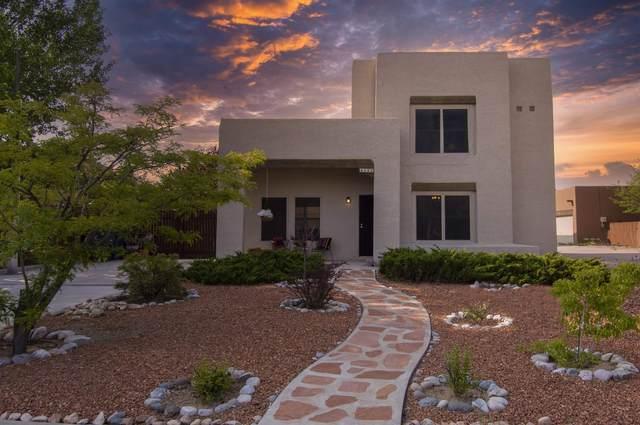 4345 Sierra Blanca, Santa Fe, NM 87505 (MLS #202103702) :: Neil Lyon Group | Sotheby's International Realty