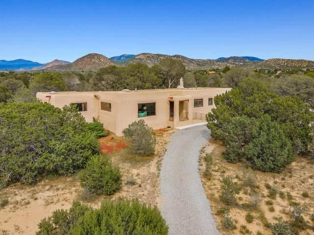 2305 Calle Halcon, Santa Fe, NM 87505 (MLS #202103793) :: Neil Lyon Group | Sotheby's International Realty