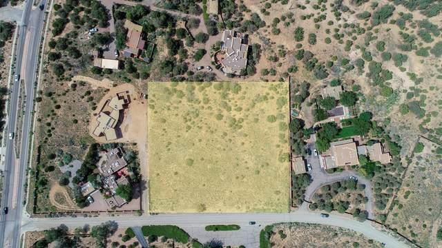 505 and 507 Camino Pinones, Santa Fe, NM 87505 (MLS #202103794) :: Berkshire Hathaway HomeServices Santa Fe Real Estate