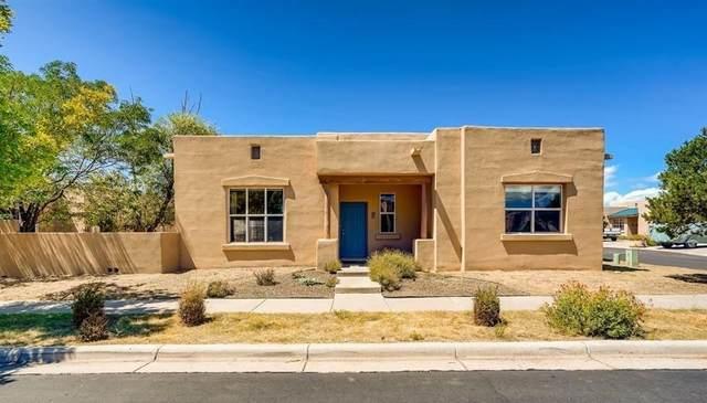 2 Red Thorn Place, Santa Fe, NM 87508 (MLS #202103822) :: Berkshire Hathaway HomeServices Santa Fe Real Estate