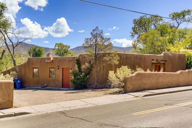 415 Camino Cabra, Santa Fe, NM 87505 (MLS #202103866) :: Berkshire Hathaway HomeServices Santa Fe Real Estate