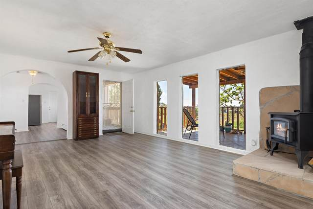 12 Calle Hermosa, Santa Fe, NM 87508 (MLS #202103907) :: Stephanie Hamilton Real Estate