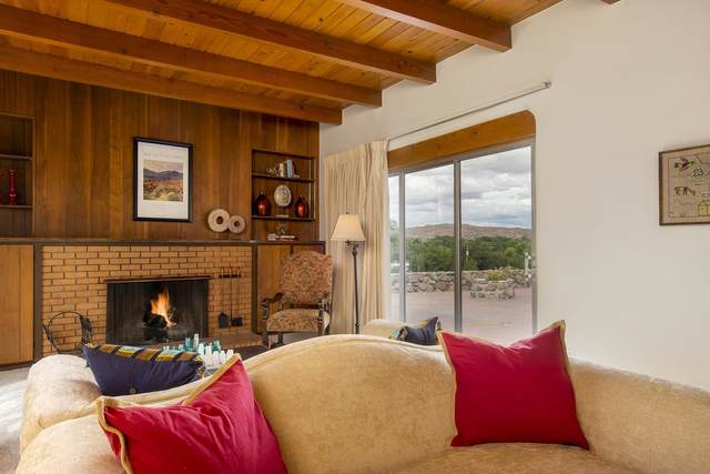 360 County Rd 84, Santa Fe, NM 87506 (MLS #202103968) :: Neil Lyon Group | Sotheby's International Realty