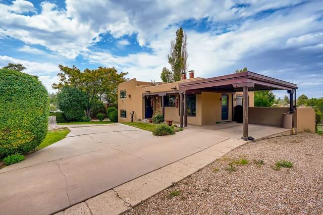 191 East Barcelona Rd., Santa Fe, NM 87505 (MLS #202103997) :: Berkshire Hathaway HomeServices Santa Fe Real Estate