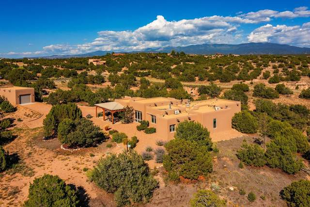 4 Paseo Del Venado, Santa Fe, NM 87506 (MLS #202104037) :: Stephanie Hamilton Real Estate