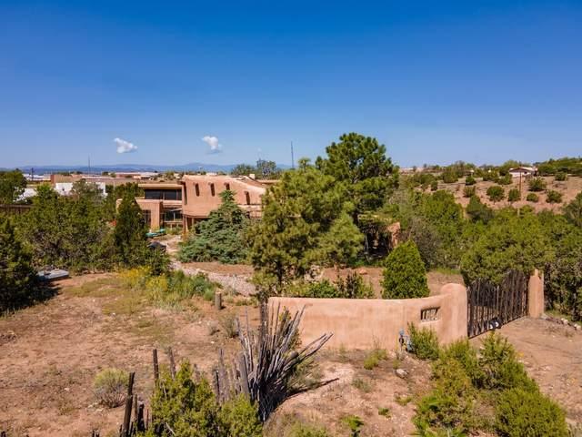 2092 Medrano, Santa Fe, NM 87505 (MLS #202104064) :: Summit Group Real Estate Professionals