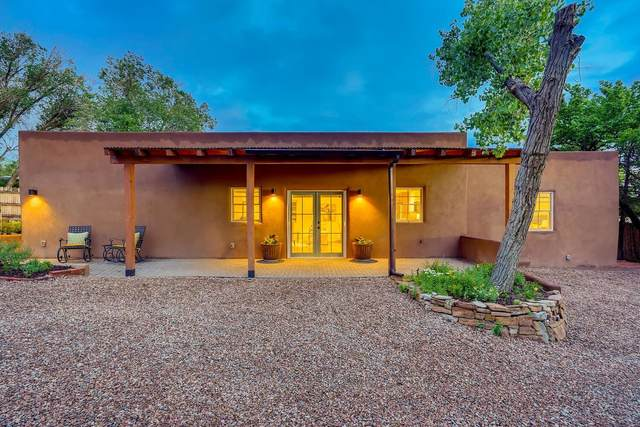 156 Lorenzo Road, Santa Fe, NM 87501 (MLS #202104081) :: The Very Best of Santa Fe