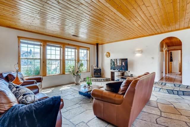 17 A El Sol Court, Santa Fe, NM 87507 (MLS #202104099) :: Berkshire Hathaway HomeServices Santa Fe Real Estate