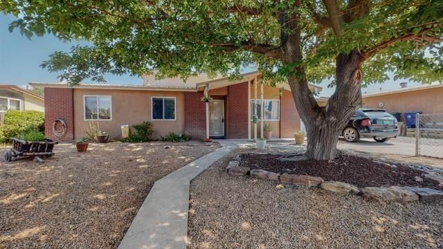 2433 Avenida De Las Estrellas, Santa Fe, NM 87507 (MLS #202104118) :: Neil Lyon Group | Sotheby's International Realty
