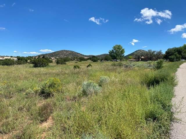 0 Avenida Vista Grande, Santa Fe, NM 87508 (MLS #202104160) :: Neil Lyon Group | Sotheby's International Realty