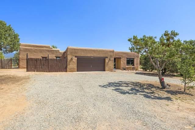 16 Camino Estrellas, Santa Fe, NM 87508 (MLS #202104176) :: Neil Lyon Group | Sotheby's International Realty