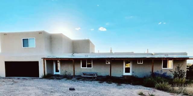 41 Camino Tetzcoco, Santa Fe, NM 87508 (MLS #202104180) :: Berkshire Hathaway HomeServices Santa Fe Real Estate