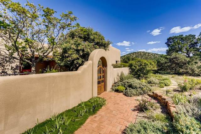 1 Calle Cabito, Santa Fe, NM 87508 (MLS #202104191) :: Neil Lyon Group | Sotheby's International Realty