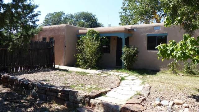 1608 Caminito Monica, Santa Fe, NM 87501 (MLS #202104199) :: Berkshire Hathaway HomeServices Santa Fe Real Estate