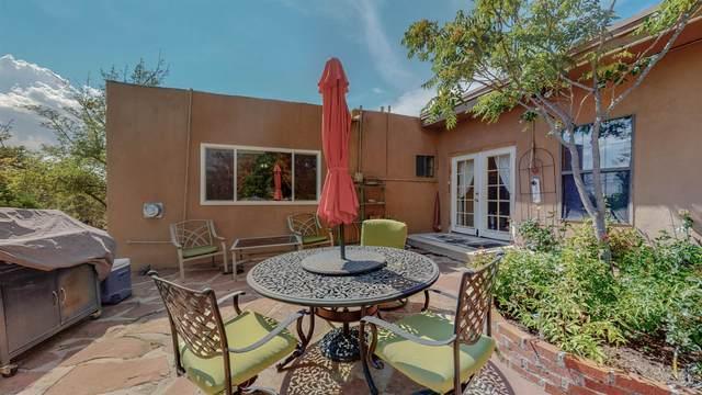 2954 Calle Vera Cruz, Santa Fe, NM 87507 (MLS #202104217) :: Neil Lyon Group | Sotheby's International Realty