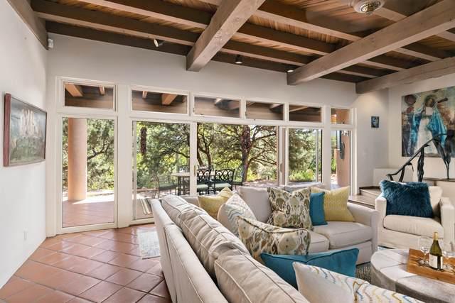 16 Piedras Negras, Santa Fe, NM 87505 (MLS #202104287) :: Neil Lyon Group | Sotheby's International Realty