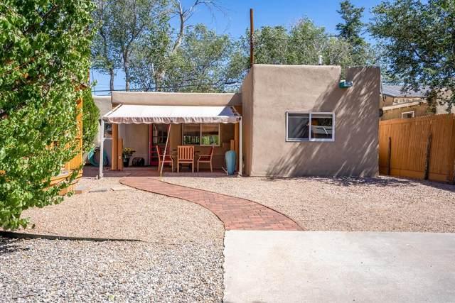 548 Franklin Ave, Santa Fe, NM 87501 (MLS #202104293) :: Berkshire Hathaway HomeServices Santa Fe Real Estate