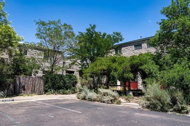 83 Placita De Oro Unit 6 #6, Santa Fe, NM 87501 (MLS #202104296) :: Berkshire Hathaway HomeServices Santa Fe Real Estate