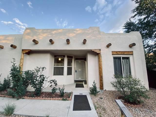 6048 Monte Verde, Santa Fe, NM 87507 (MLS #202104297) :: Neil Lyon Group | Sotheby's International Realty