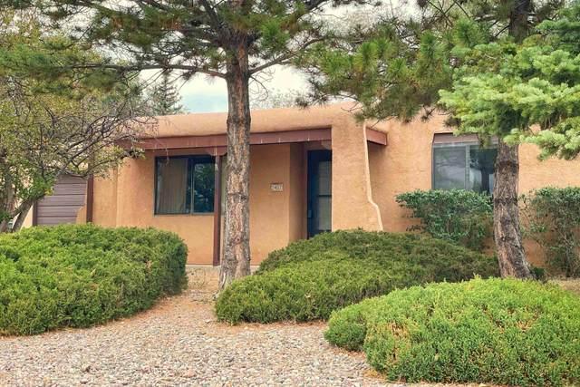 2407 San Patricio Corte, Santa Fe, NM 87505 (MLS #202104390) :: Neil Lyon Group | Sotheby's International Realty