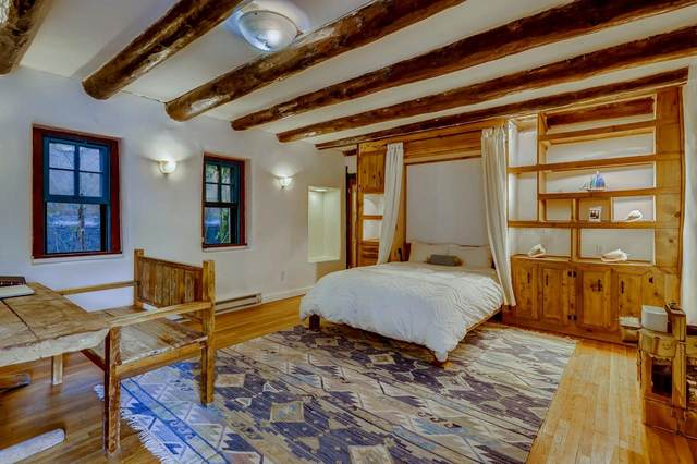 632 Old Santa Fe Trail #4, Santa Fe, NM 87505 (MLS #202104393) :: Stephanie Hamilton Real Estate