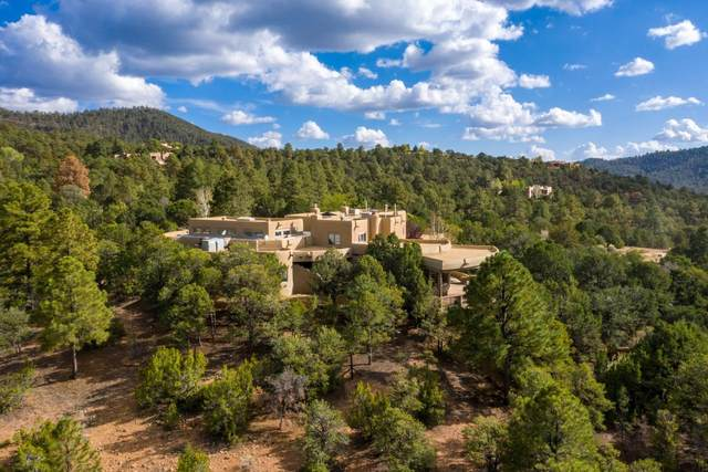 1813 Camino De Cruz Blanca, Santa Fe, NM 87505 (MLS #202104412) :: Summit Group Real Estate Professionals