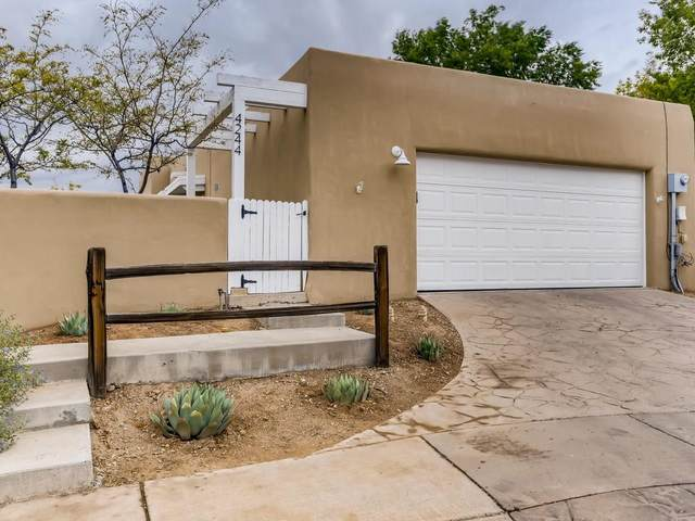 4244 Vuelta Colorada, Santa Fe, NM 87507 (MLS #202104432) :: Berkshire Hathaway HomeServices Santa Fe Real Estate