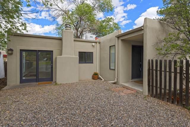 2221 Vuelta San Marcos, Santa Fe, NM 87505 (MLS #202104500) :: Summit Group Real Estate Professionals
