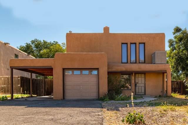 1351 Acequia Borrada, Santa Fe, NM 87507 (MLS #202104524) :: Summit Group Real Estate Professionals