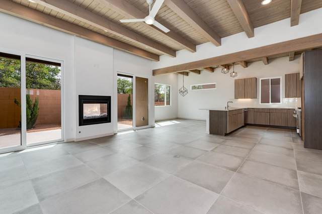 422 Calle Bonita, Santa Fe, NM 87505 (MLS #202104585) :: Summit Group Real Estate Professionals