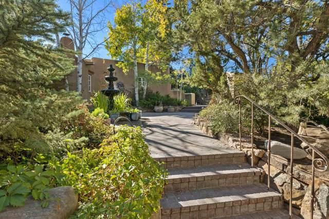 605 Camino Del Monte Sol, Santa Fe, NM 87505 (MLS #202104596) :: Neil Lyon Group | Sotheby's International Realty