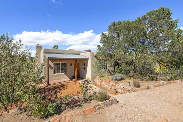609 Cielo Grande, Santa Fe, NM 87505 (MLS #202104624) :: Summit Group Real Estate Professionals