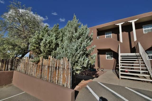 3226 Rufina, Santa Fe, NM 87507 (MLS #202104644) :: Summit Group Real Estate Professionals