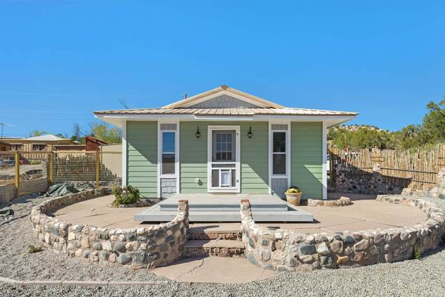 15 El Capitan, Lamy, NM 87540 (MLS #202104728) :: Summit Group Real Estate Professionals