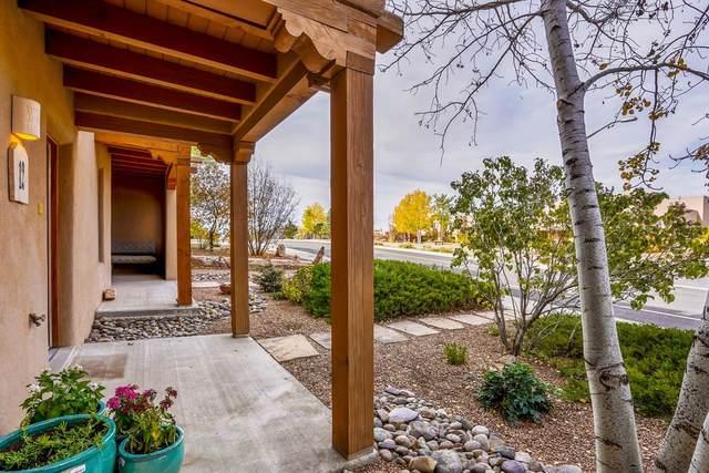 12 Camino De Vecinos, Santa Fe, NM 87507 (MLS #202104733) :: Summit Group Real Estate Professionals