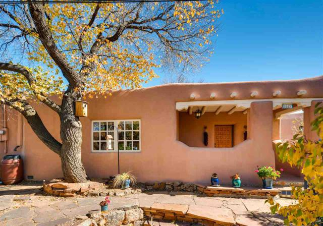 1027 W Houghton, Santa Fe, NM 87505 (MLS #201705194) :: Deborah Cox & Associates