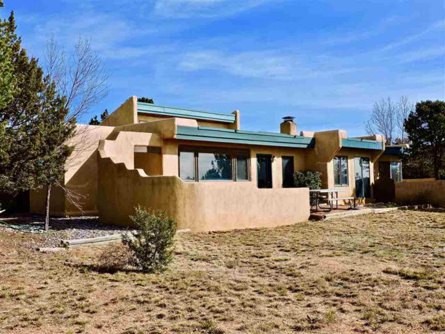1 Oriente Ct, Santa Fe, NM 87508 (MLS #201705332) :: Deborah Cox & Associates