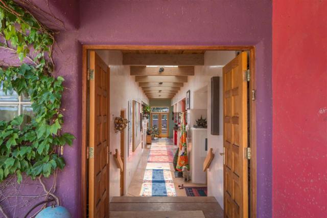 9 Altazano Drive, Santa Fe, NM 87505 (MLS #201802378) :: The Very Best of Santa Fe