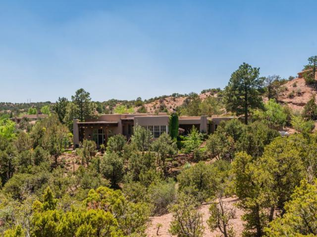 47 Circle Drive Compound, Santa Fe, NM 87501 (MLS #201802469) :: The Desmond Group