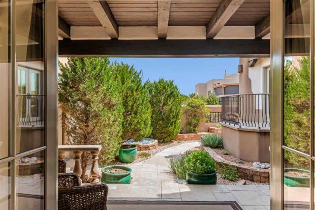 12 Calle Vecinos, Santa Fe, NM 87507 (MLS #201802501) :: The Desmond Group