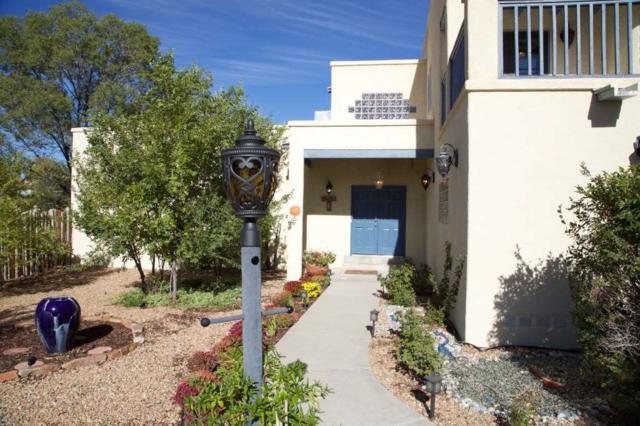 2932 Corte Del Becerro, Santa Fe, NM 87505 (MLS #201805175) :: The Very Best of Santa Fe