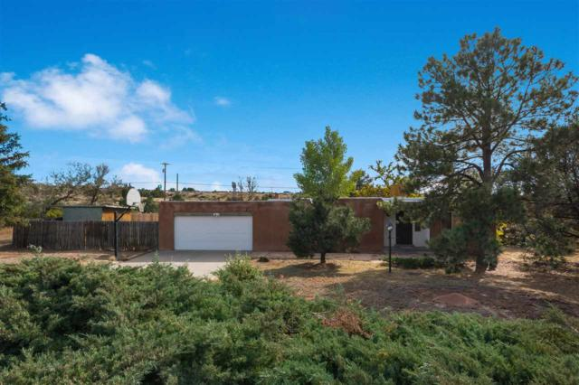 135 Calle San Simon, Santa Fe, NM 87501 (MLS #201805303) :: The Desmond Group
