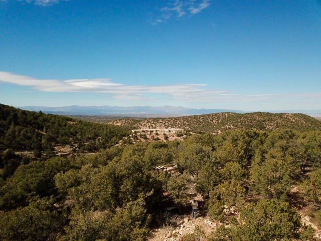 2401 Camino Del Oso, Santa Fe, NM 87501 (MLS #201805363) :: The Very Best of Santa Fe
