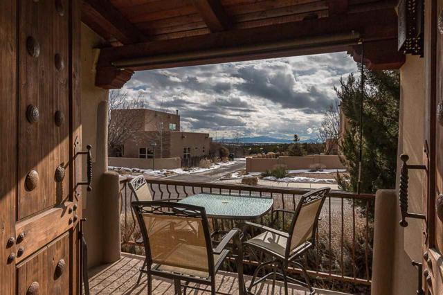 7 Camino De Vecinos, Santa Fe, NM 87507 (MLS #201900127) :: The Bigelow Team / Realty One of New Mexico