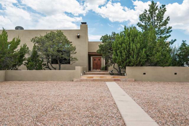 18 Vista Hermosa, Santa Fe, NM 87506 (MLS #201901530) :: The Desmond Group