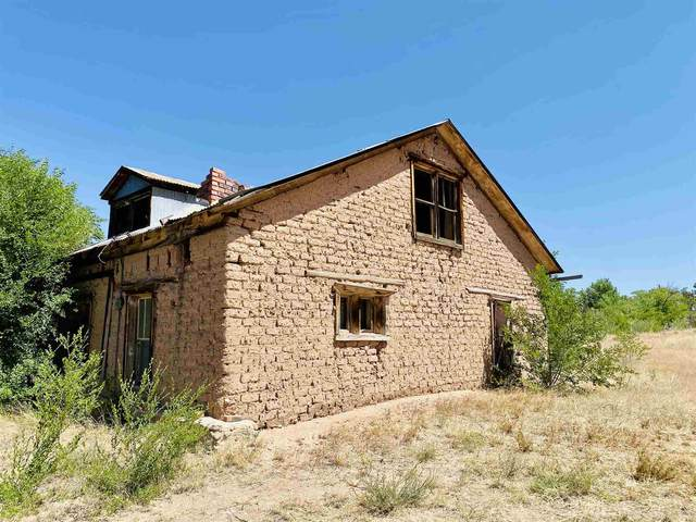 12 Camino De Los Bacas, Chimayo, NM 87522 (MLS #201902206) :: Berkshire Hathaway HomeServices Santa Fe Real Estate