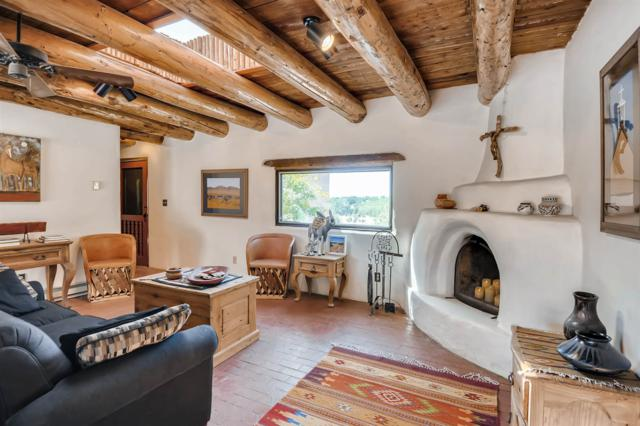 28 Alcalde Road, Santa Fe, NM 87508 (MLS #201902281) :: The Very Best of Santa Fe