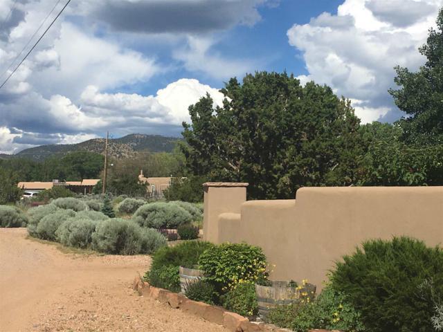 558 Valle Chamiso Lane, Santa Fe, NM 87505 (MLS #201902385) :: The Very Best of Santa Fe